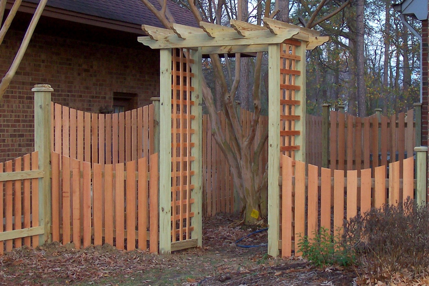 No fences make good neighbors / Berkeley residents combine their