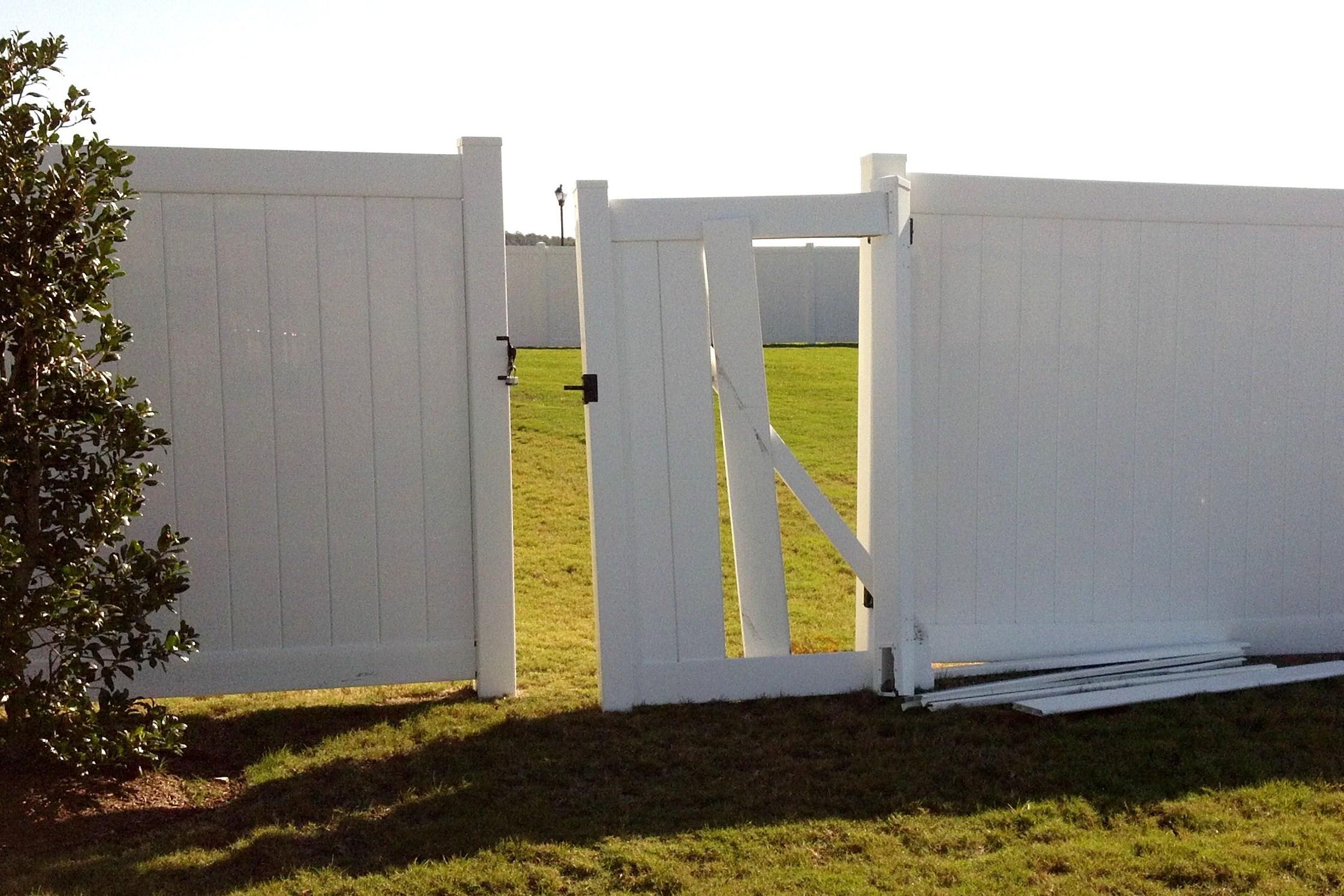Image Result For Vinyl Fence Gate